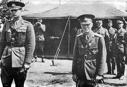 K�nig Michael I. (links) und General Ion Antonescu an der Front in Bessarabien.
