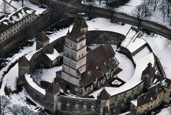 Honigberger Kirchenburg im Winter