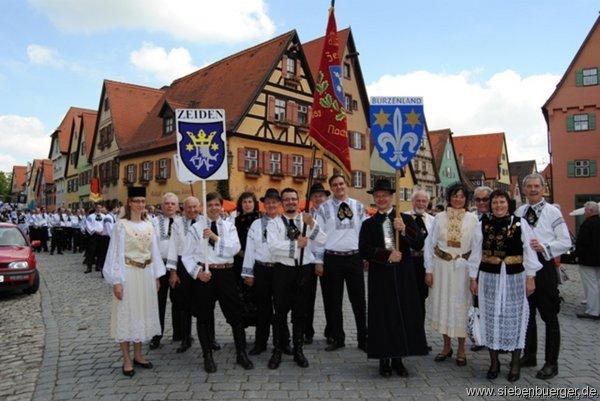 Zeidner Trachtengruppe in Dinkelsbühl ...