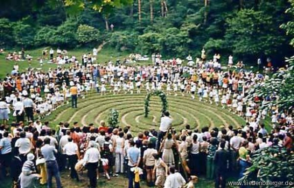 Wunderkreis im Zeidner Schulfestplatz ...